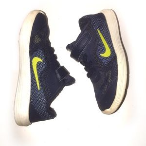 Nike's children blue and green size 9